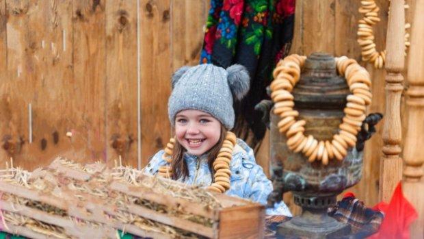 Ярмарка отчаяния: украинцы переходят на сухари и сушки, другая еда больше не по карману