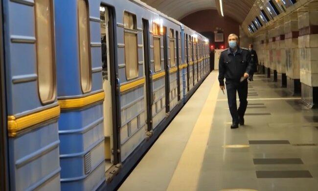 Придется добираться пешком: Киевский метрополитен предупредил о возможном закрытии станций