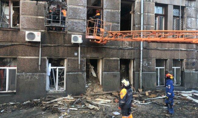 Зеленский объявил восьмое декабря днем траура в Украине по жертвам пожара в Одессе: страна склонила головы