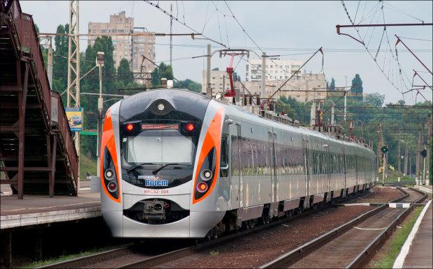 «Тело собирали буквально по частям»: на железной дороге произошла жуткая трагедия, украинцы не могут прийти в себя