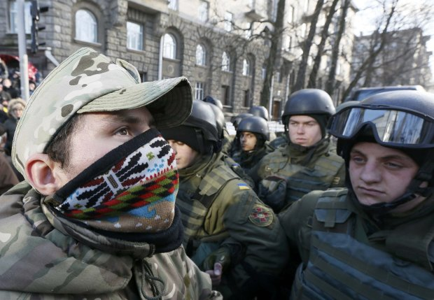 В центре Киева начинаются массовые обыски и проверки документов