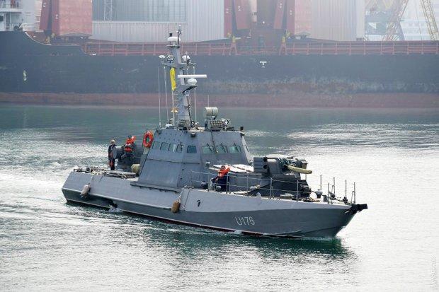 Три украинских военных корабля захвачены российским спецназом, есть раненые