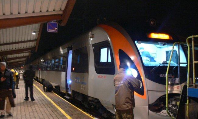 """ЧП в поезде """"Укрзализныци"""": первые подробности"""
