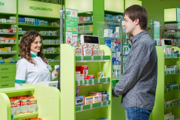 Харьковская аптека свободно продавала наркотики: даже копы не поверили своим глазам