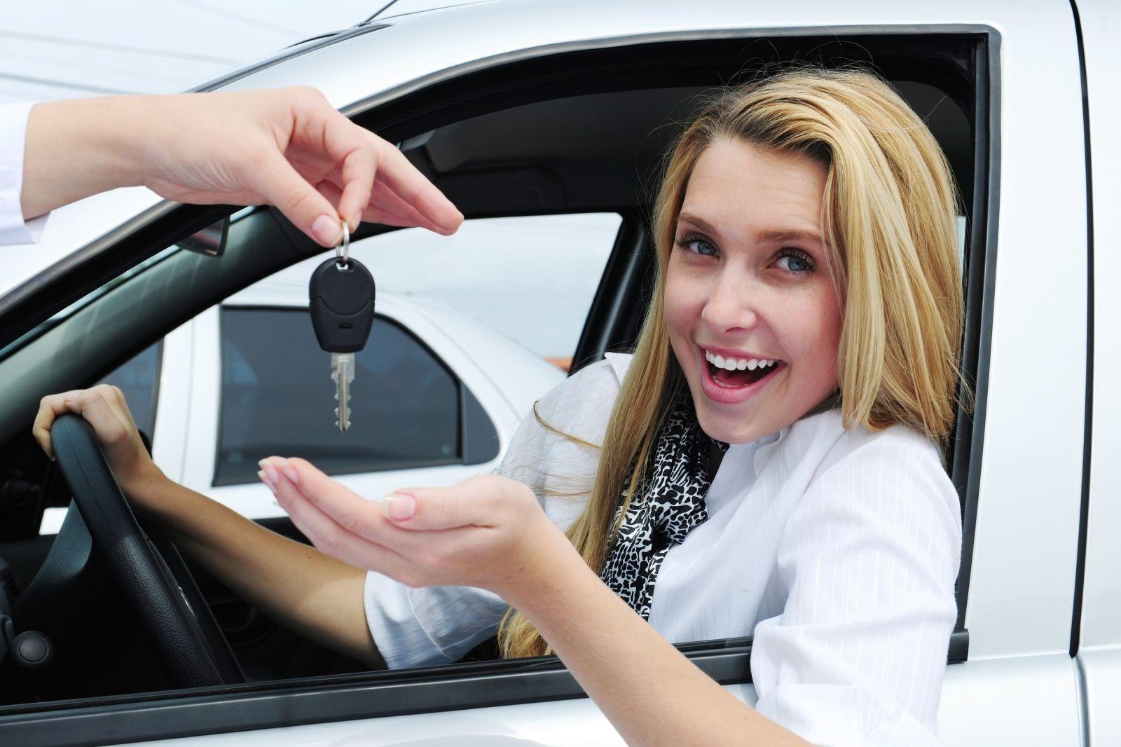 Картинки на тему женщина за рулем