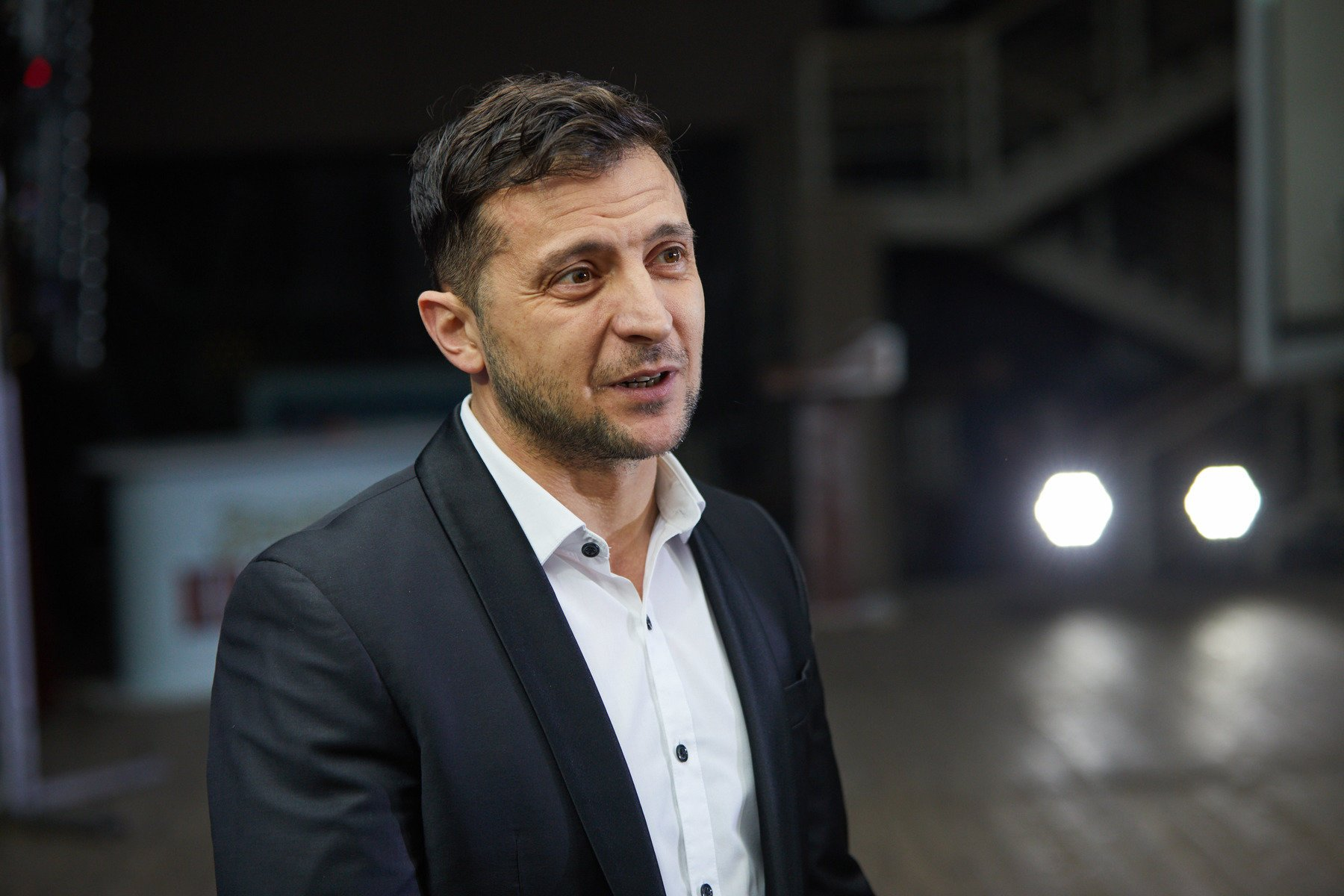Зеленский поручил упростить получение украинского гражданства