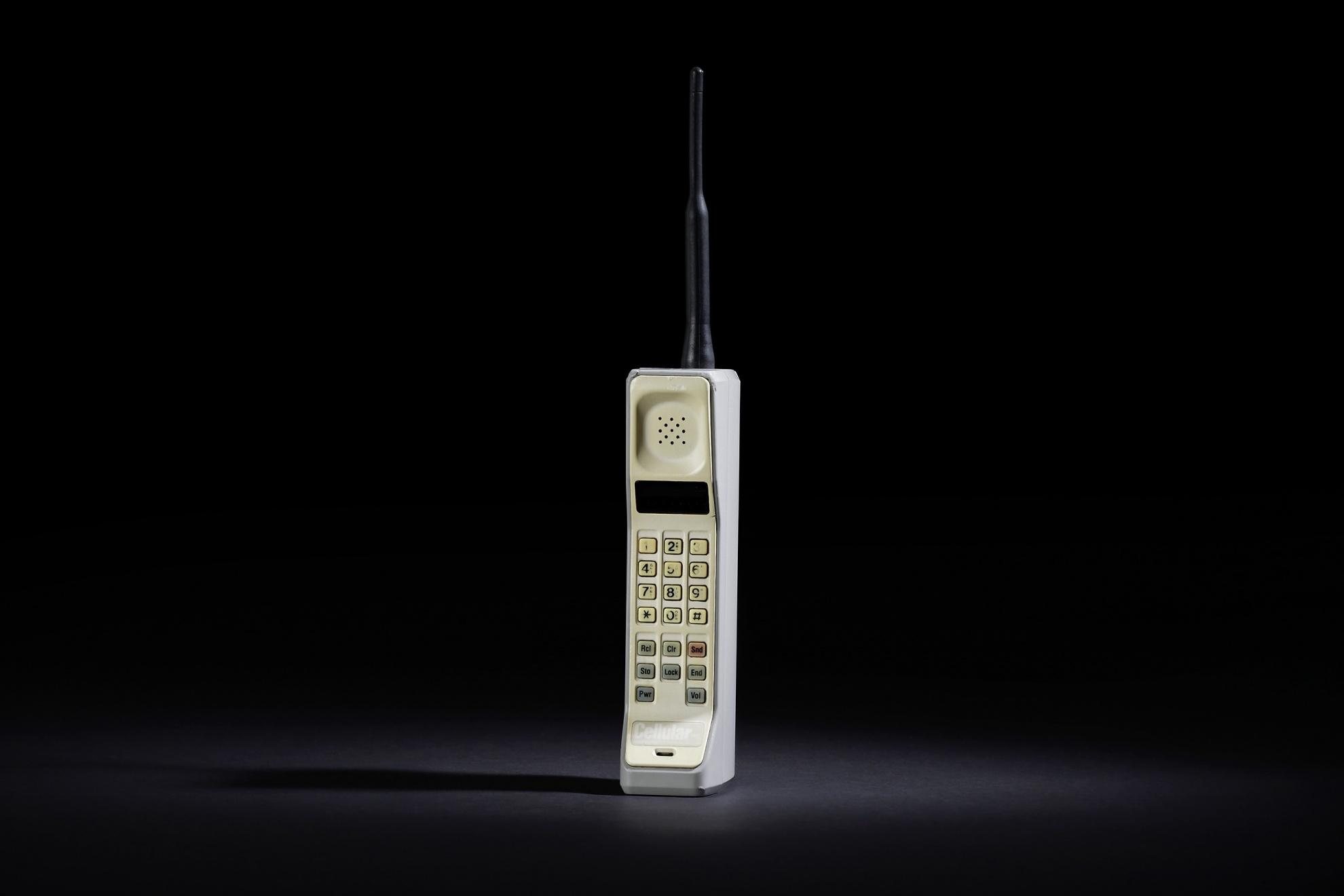 лучшие духи, первые в мире сотовые телефоны фото поздравления